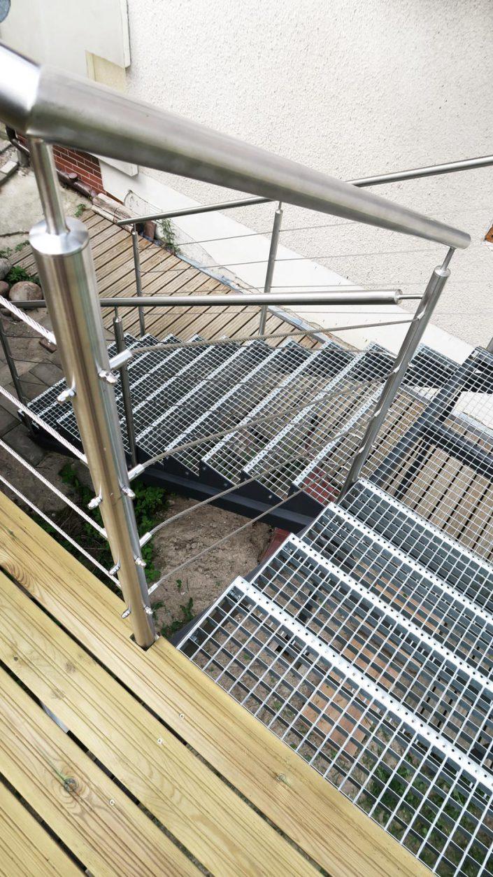 Pokoje nad Jeziorem Mazury | Apartament nr 6 schody na taras. Dom nad Zatoką