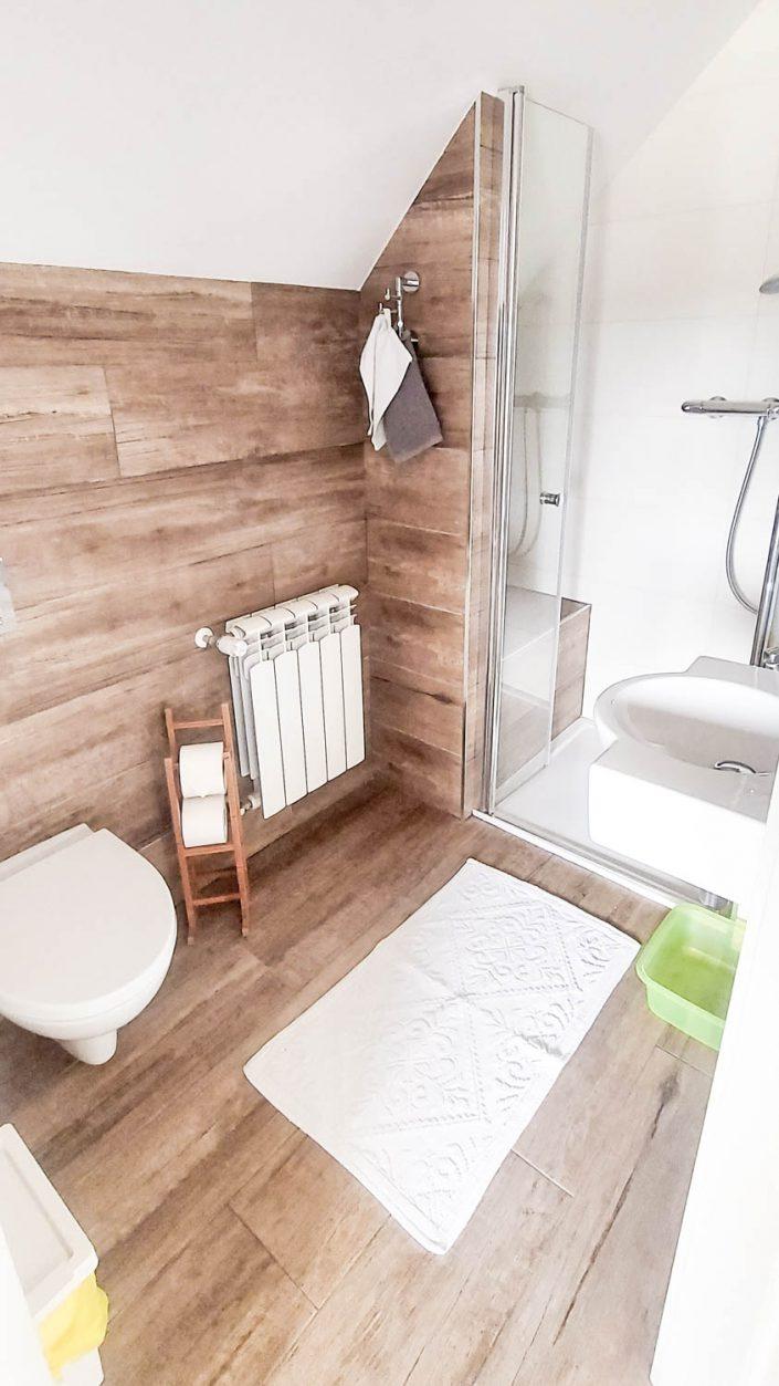 Pokoje nad Jeziorem Mazury | Apartament nr 5 łazienka. Dom nad Zatoką
